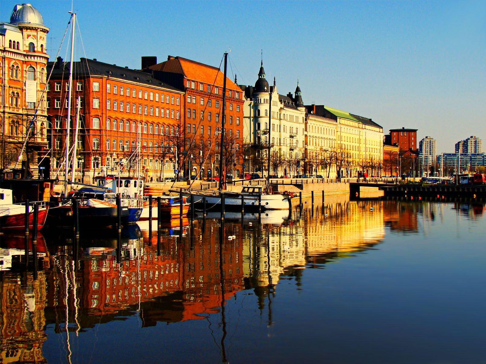 Cover for article 'Tulevaisuuden älykkäät oppimisympäristöt – Polku kansainvälisille markkinoille ja markkinoiden ymmärtäminen -yritysvalmennus Helsingissä'
