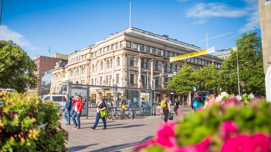 Cover for article 'Näin 6Aika on vaikuttanut kuutoskaupunkeihin: Tampereella asukkaat kehittävät omia asuinalueitaan ja avoimet rajapinnat helpottavat katuvalaistuksen suunnittelua'