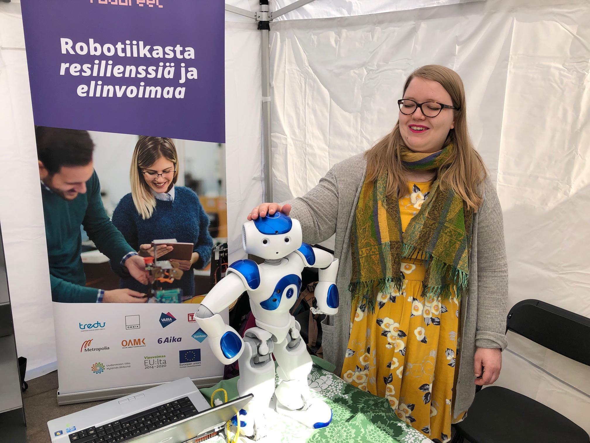 Cover for article 'Roboreel -Tutustu puettavaan exoskeletoniin Oulussa'