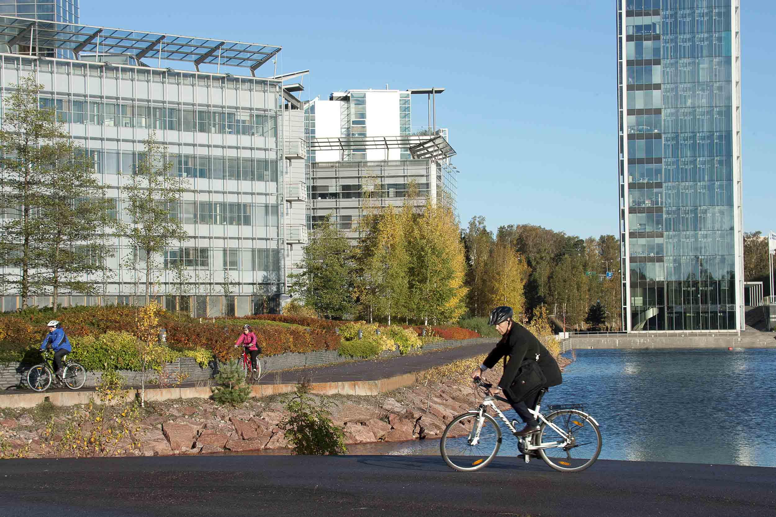 Cover for article 'Espoo has opened up as an innovation platform and is utilising data in new ways'