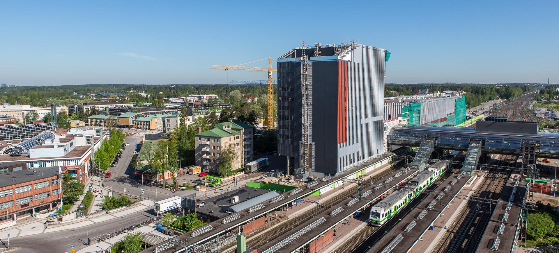 Cover for article 'Business cooperation well underway in Vantaa – focus now being directed at residents and services'