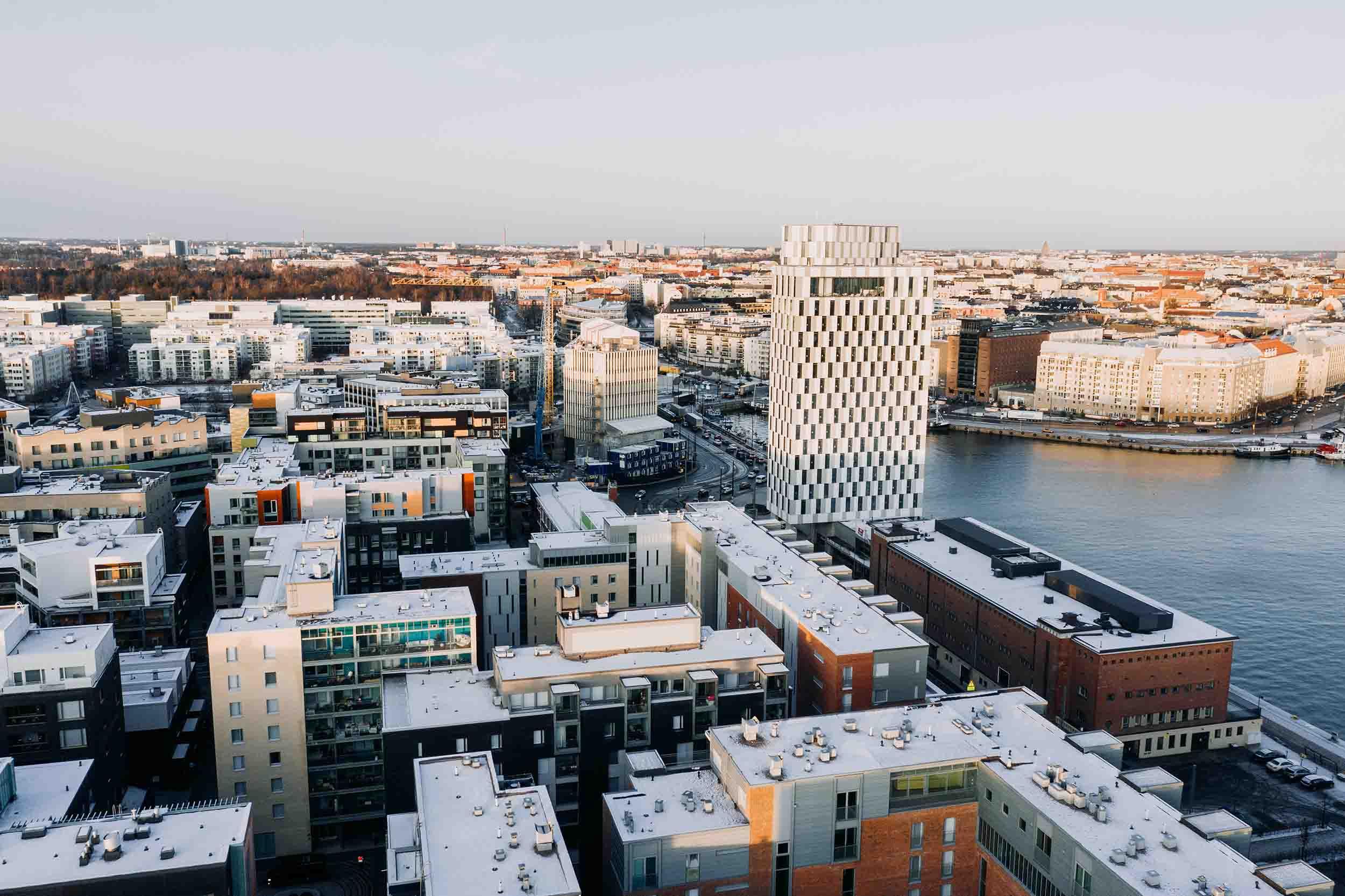 Cover for article 'Jätkäsaaressa ratkotaan liikkumisen haasteita tiiviissä kaupunkiympäristössä – Perille asti oli kehittämisen pioneeri'