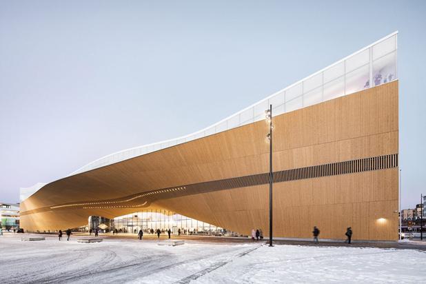 Cover for article 'Näin 6Aika on vaikuttanut yrityksiin: Nuuka Solutions ja kiinteistöt virtuaalisina voimalaitoksina'