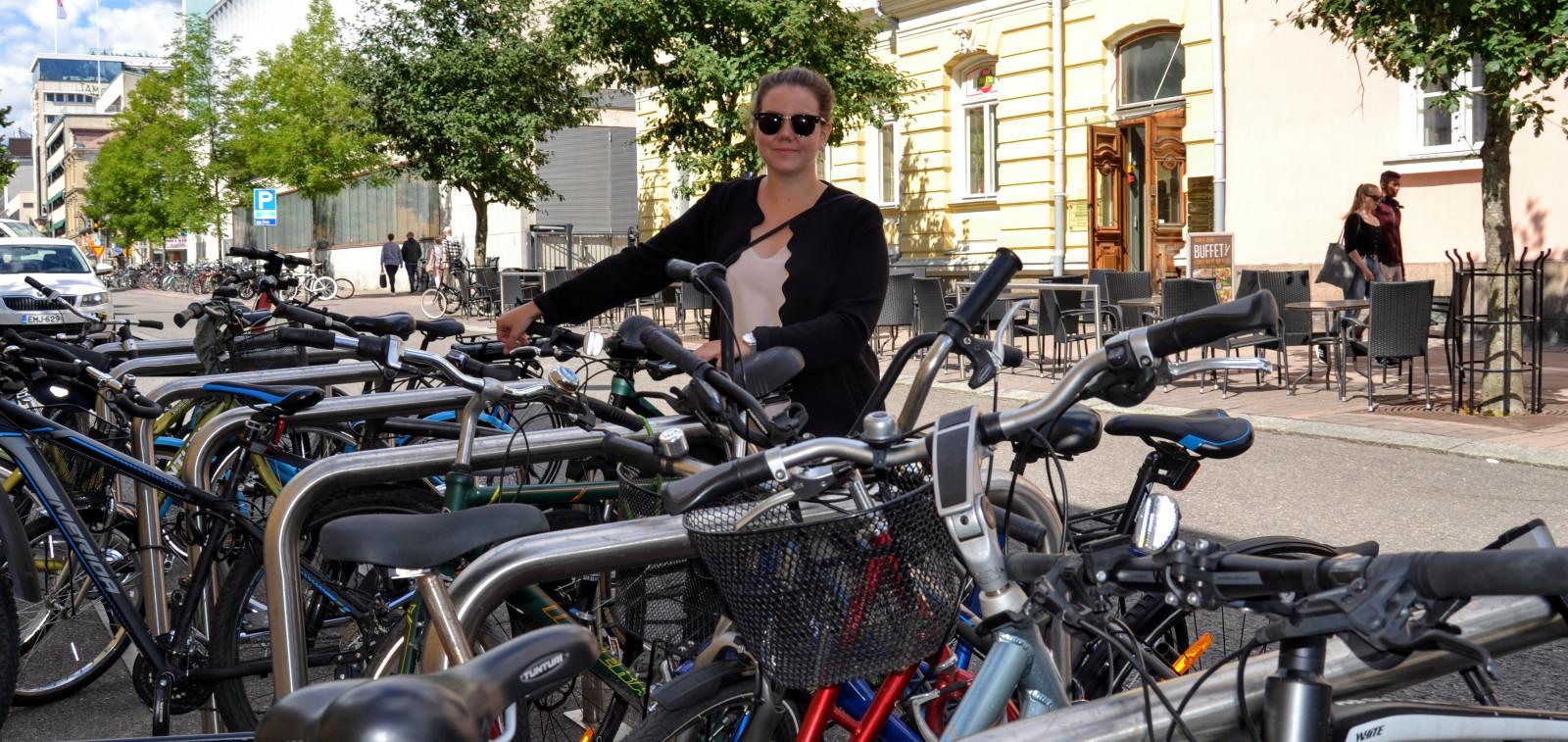 Cover for article 'Turussa haetaan ratkaisuja auto- ja pyöräpysäköinnin kokeiluihin'